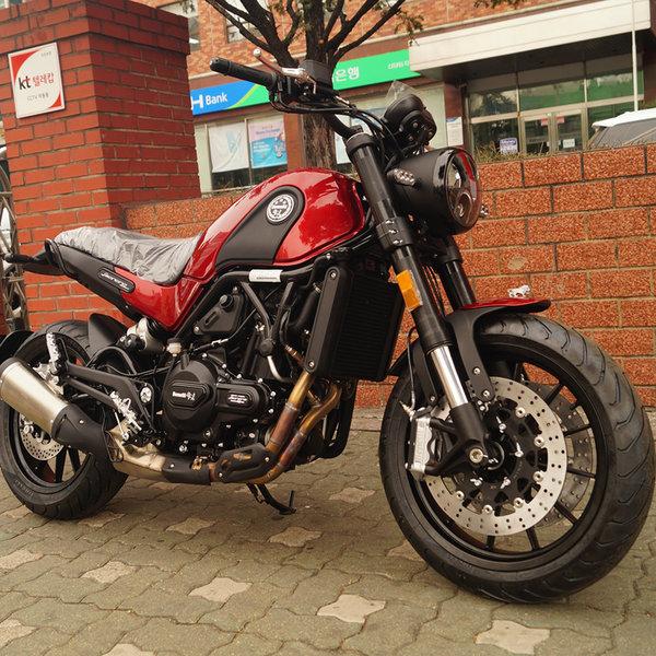 베넬리 레온치노500 ABS 오토바이 benelli leoncino