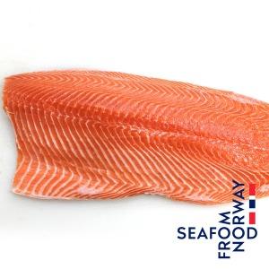 노르웨이 생연어 반마리 2kg필렛 숙성연어(원물6.5kg)