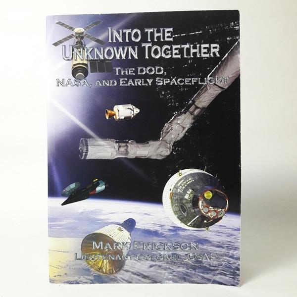 영문도서 Into the Unknown Together - Mark Erickson