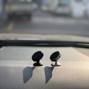차량용 스마트폰 거치 핸드폰 거치대 자석 마그네틱