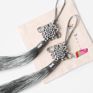 은회색 전통 매듭 노리개 (2개)