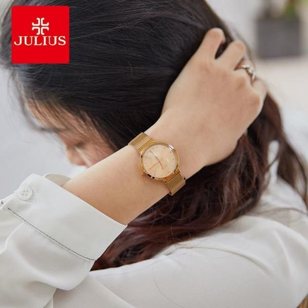 빈티지 여자매탈밴드 손목시계 아날로그 방수타입 캐