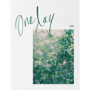 Oneday 아이즈원 IZONE 포토북 /2차 예약판매 / 아이즈원 포토북 / 포토카드 12 종 중 1종 랜덤 / 반품불가