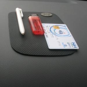 논슬립 사각매트 대쉬보드 차량 스마트폰 젤패드 흡착