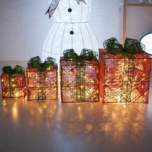 LED 빛이있는4단 니켈선물상자 35cm 적박스 전구 트리