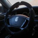 볼륨업 스웨이드 자동차핸들커버 공용 (블랙)