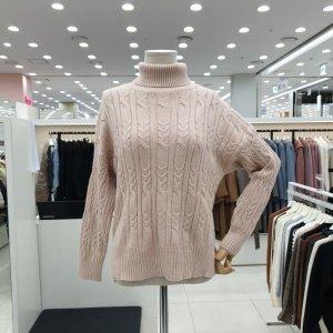 온앤온  모다아울렛 꽈배기 니트 폴라 JK9WP676 베이지