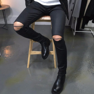 남자 오일코팅 무릎절개 슬림핏 블랙 스키니진