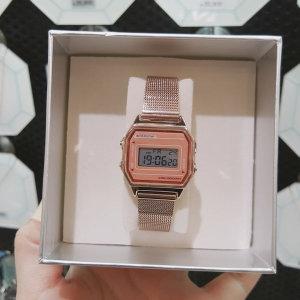 (신세계김해점)OST 뉴트로 핑크 다이얼 메쉬 밴드 전자 시계 OTW120121DPP