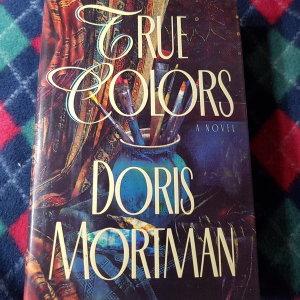 TRUE COLORS/DORIS MORTMAN.CROWN.1994