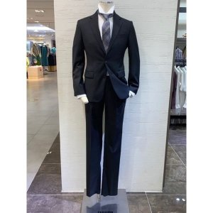 갤러리아  레노마(남성)정장 신상품 4계절 무광 스판 슬림 블랙수트(RMCISJ83A