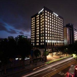  5%할인  서울 호텔  오라카이 대학로 호텔 (종로 대학로 동묘앞역)