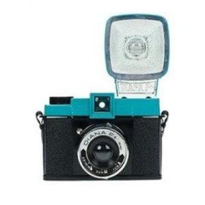 로모그래피 다이아나 F+ 플래시포함 120mm 필름 사용